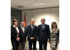 El Casco Viejo de Santander, secretaria de Cocahi, con Director General de Política Comercial y Competividad